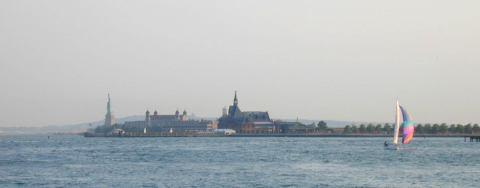 statuesailboatfromferry.jpg