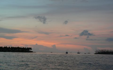 sunset_keywest_boats_480.jpg